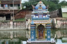 garbarakshambigai_temple_lake