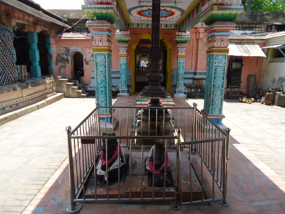 garbarakshambigai temple entrance